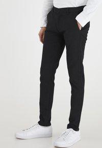 Tailored Originals - TOFREDERIC - Chinos - dar grey - 0