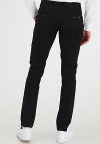 Tailored Originals - TORAINFORD - Chinos - black - 2