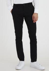 Tailored Originals - TORAINFORD - Chinos - black - 0