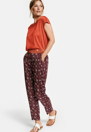 HOSE FREIZEIT VERKÜRZT LUFTIGE HOSE LOUNGE PANTS HIGH - Trousers - deep burgundy gemustert
