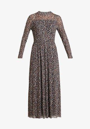 Maxi šaty - camel