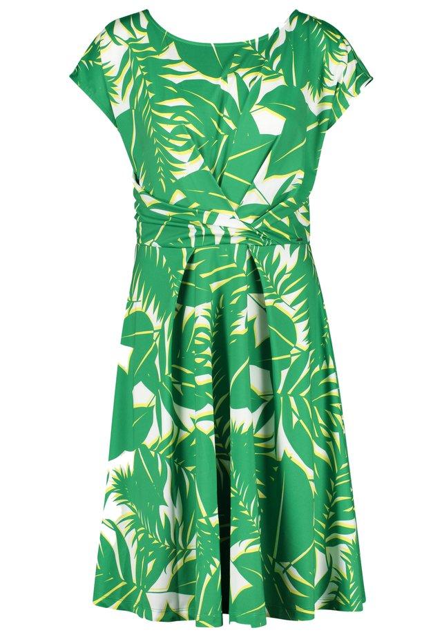 MIT PALMENBLÄTTER-PRINT - Jersey dress - simply green gemustert