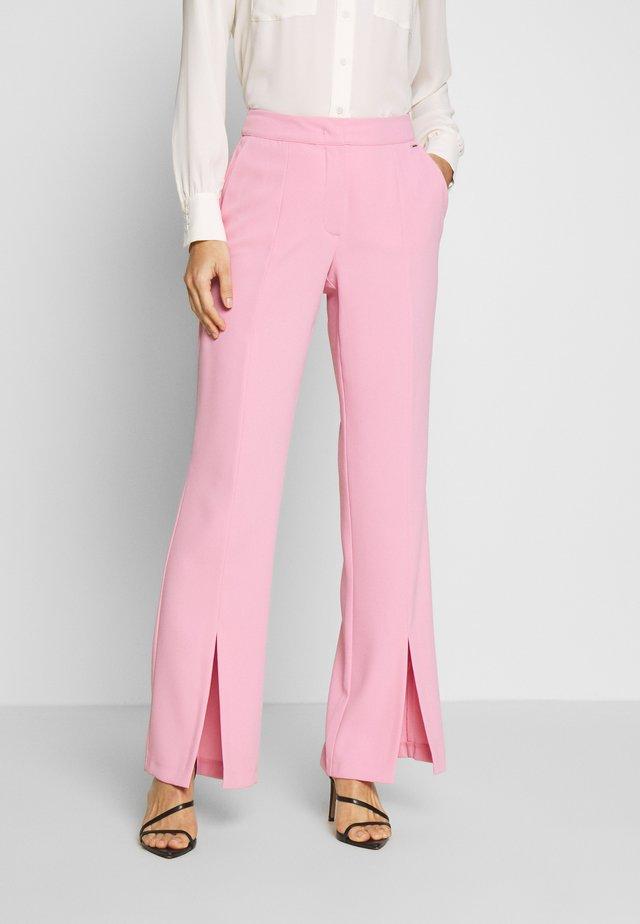 FREIZEIT - Spodnie materiałowe - pink sugar