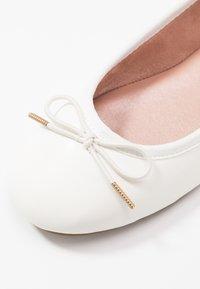 Tamaris - Ballerina's - white matt - 2