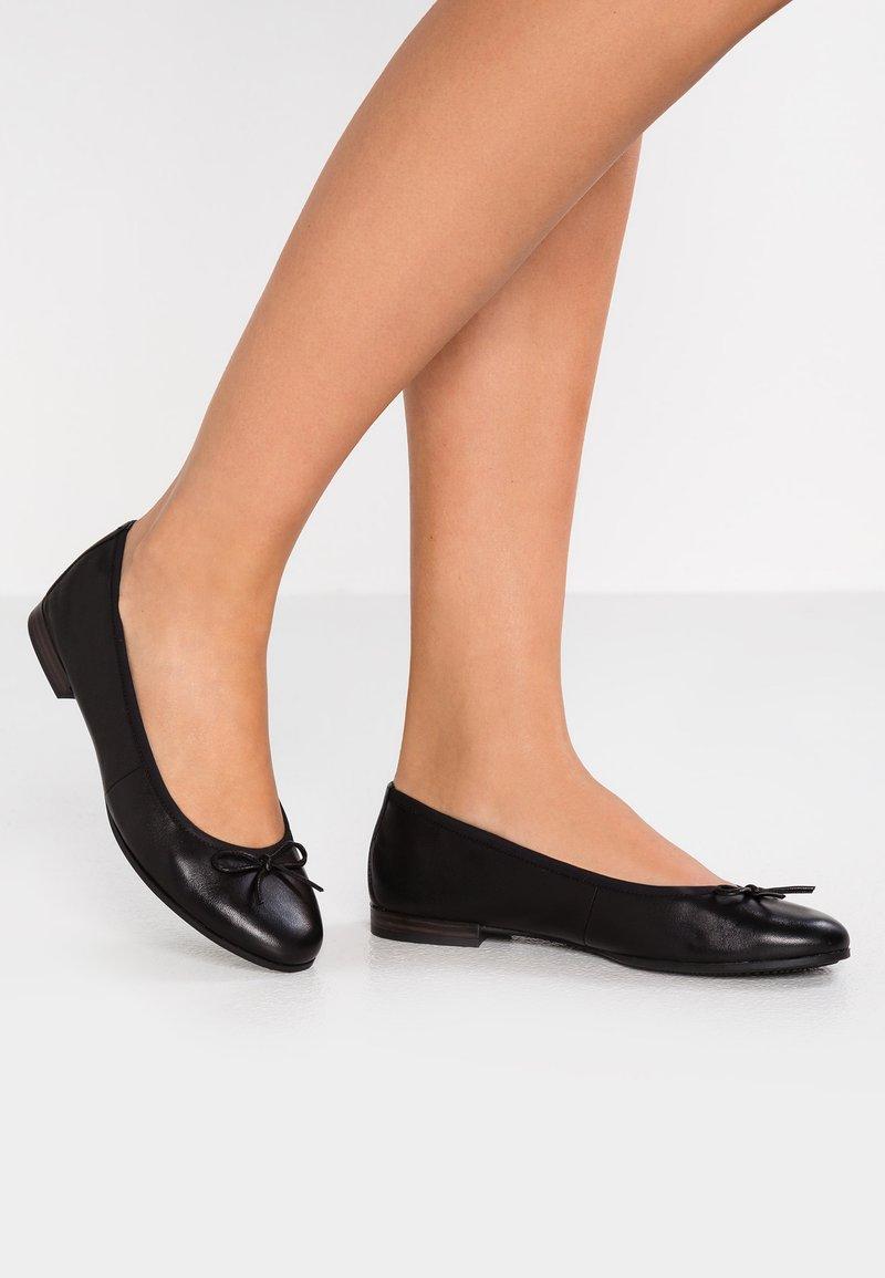 Tamaris - Klassischer  Ballerina - black