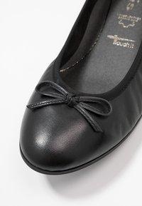 Tamaris - Klassischer  Ballerina - black - 2