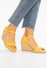 Tamaris - Wedge sandals - sun - 0