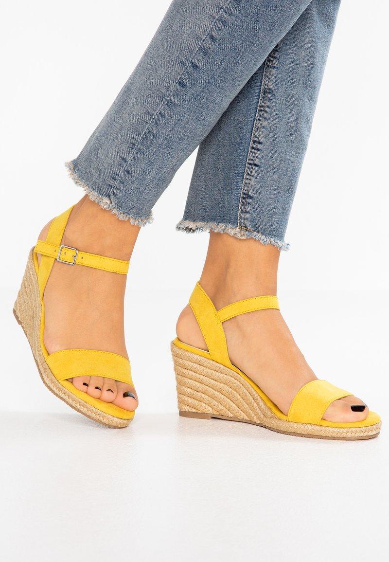 Tamaris - Wedge sandals - sun