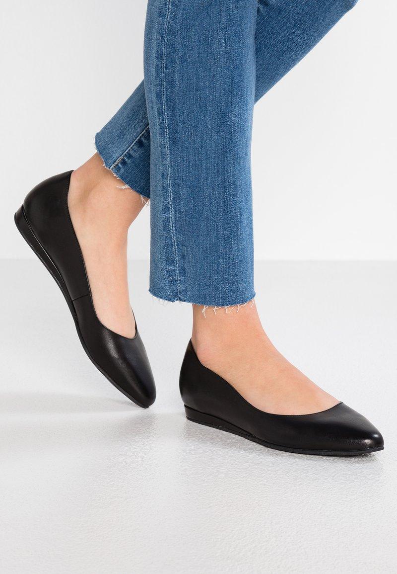 Tamaris - Ballet pumps - black