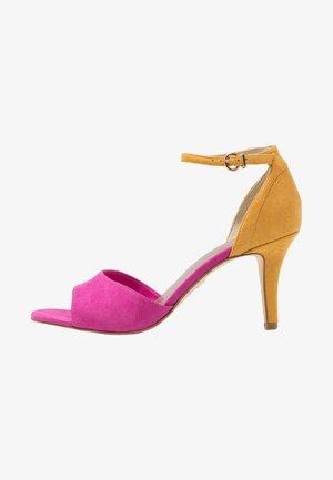 Sandály - fuxia/saffron