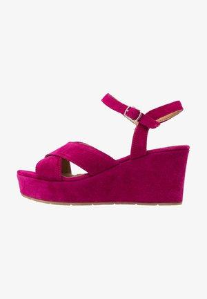 Sandales à plateforme - fuxia