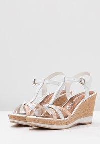 Tamaris - Korolliset sandaalit - white - 4