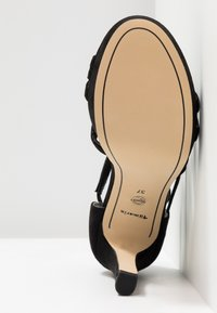 Tamaris - Sandalen met hoge hak - black - 6