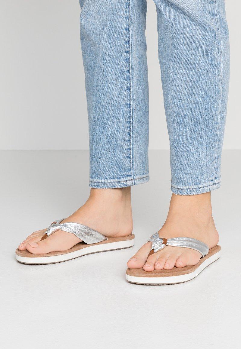 Tamaris - T-bar sandals - silver