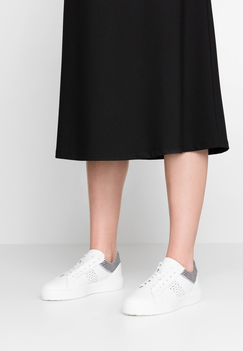 Tamaris - Sneaker low - white