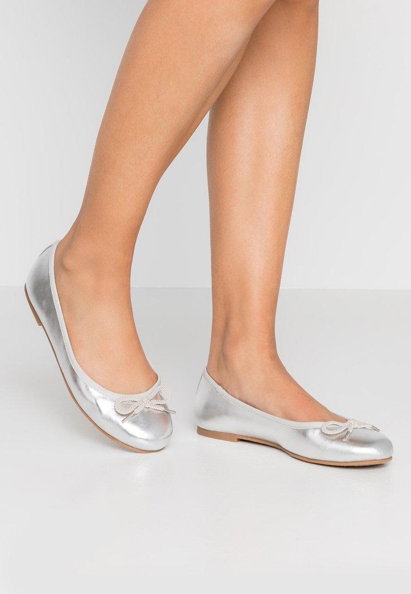 Tamaris - Ballerina's - silver
