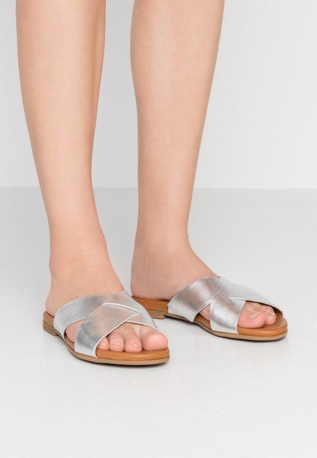 Muiltjes - silver