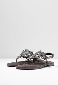 Tamaris - Sandály s odděleným palcem - pewter - 4