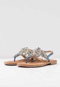 Tamaris - Sandály s odděleným palcem - azur - 4