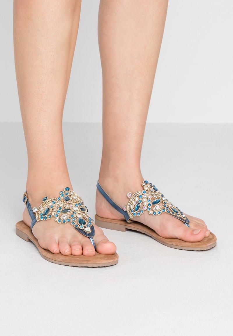 Tamaris - Sandály s odděleným palcem - azur
