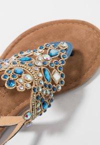 Tamaris - Sandály s odděleným palcem - azur - 2