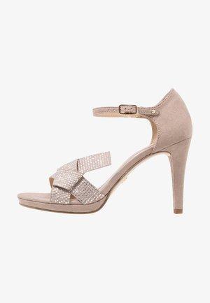 Sandály na vysokém podpatku - pepper