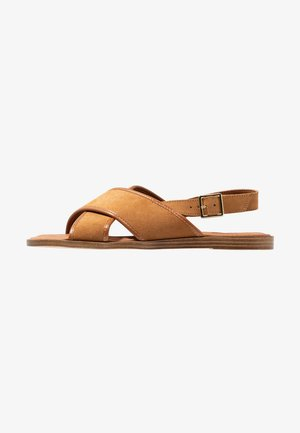 Sandály - cognac