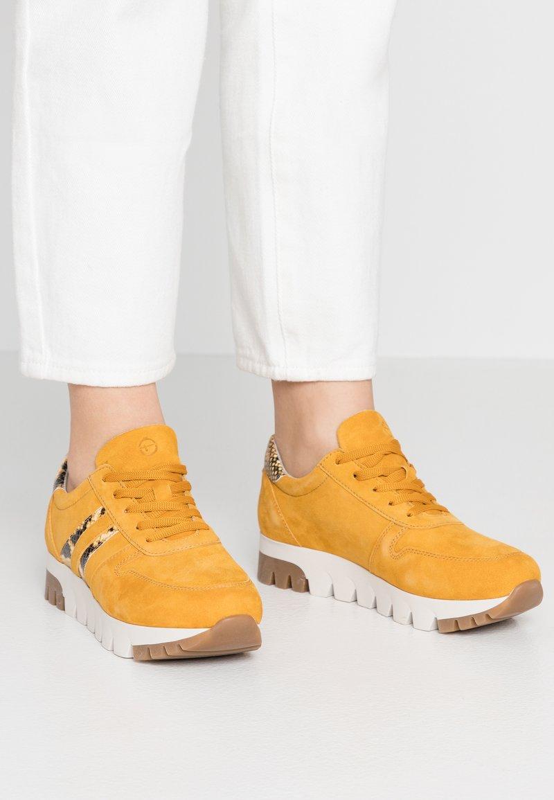 Tamaris - Trainers - mustard