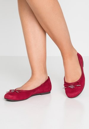 Ballet pumps - raspberry