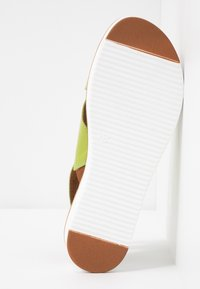 Tamaris - Plateausandalette - green - 6