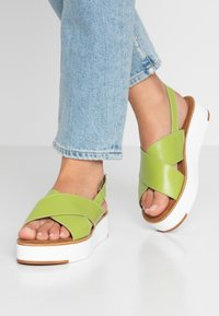 Tamaris - Plateausandalette - green - 0