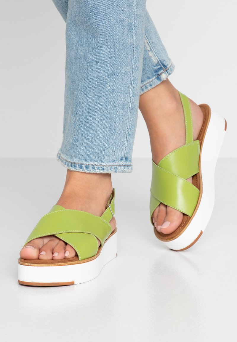 Tamaris - Plateausandalette - green
