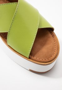 Tamaris - Plateausandalette - green - 2