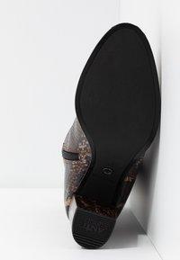 Tamaris - Kotníkové boty - mocca - 6
