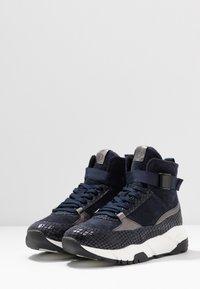 Tamaris - Höga sneakers - navy - 4