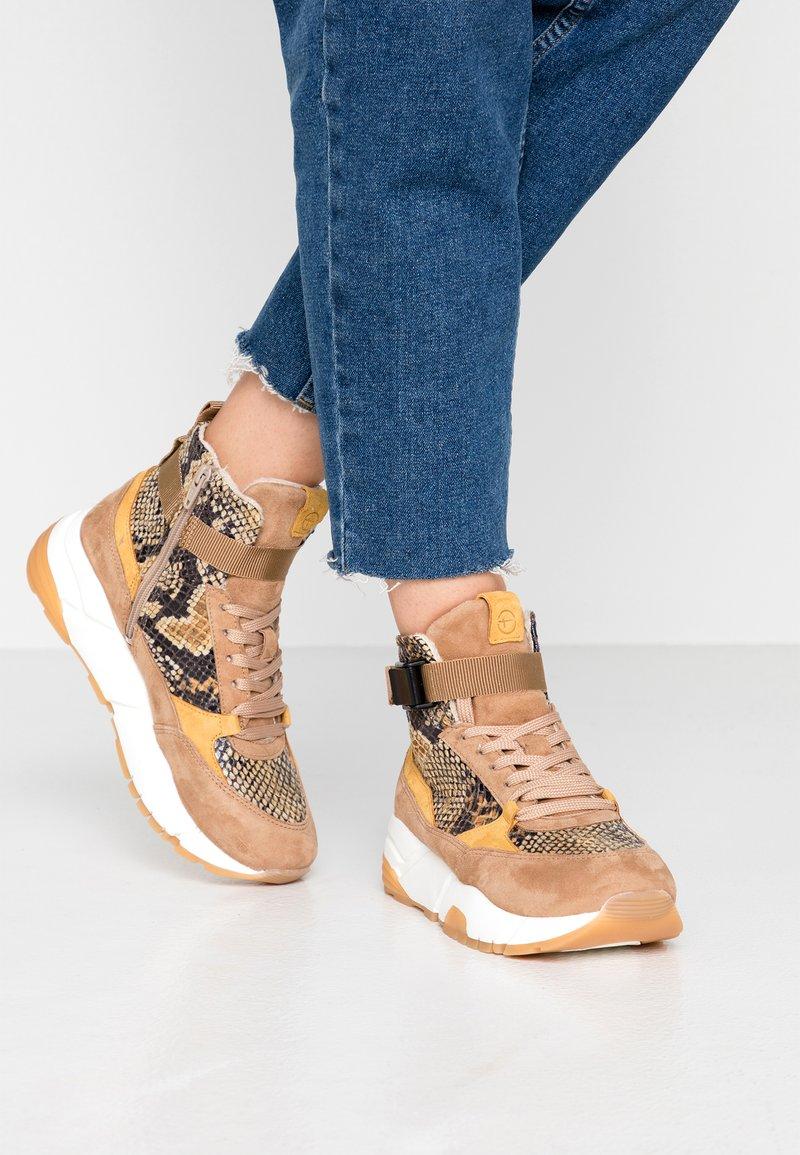 Tamaris - Sneakers high - camel