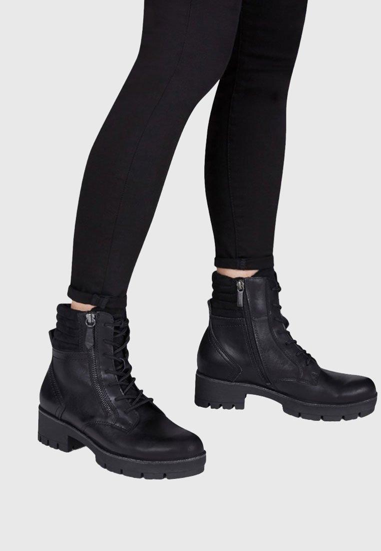Tamaris Bottines à lacets black
