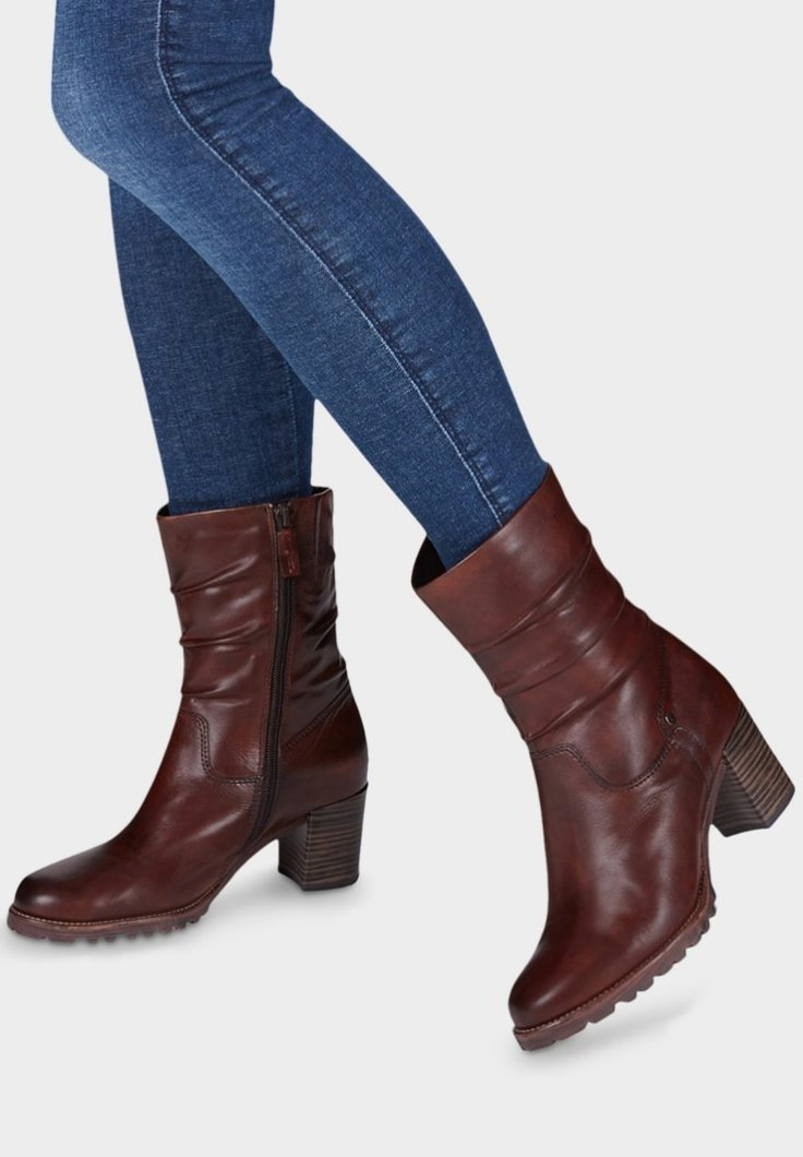 Tamaris - Korte laarzen - brown