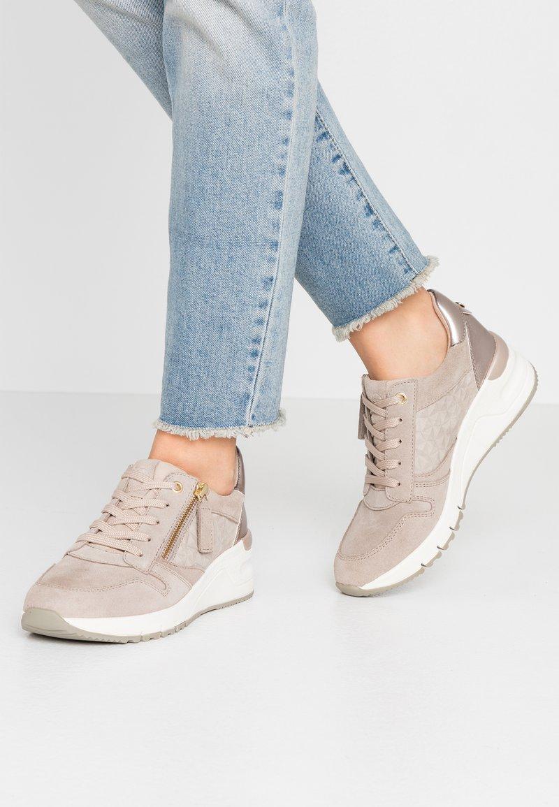Tamaris - Sneaker low - taupe