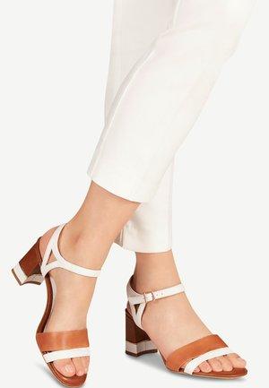 1-1-28033-24 - Sandals - white/cognac
