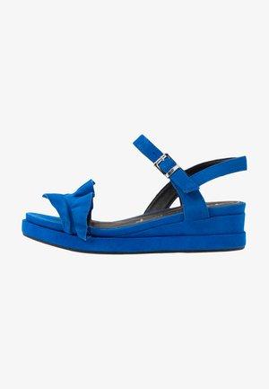 Platform sandals - royal
