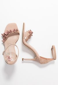 Tamaris - High heeled sandals - old rose