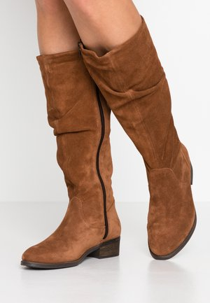 BOOTS - Vysoká obuv - cognac