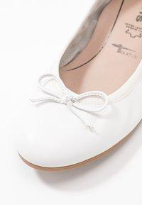 Tamaris - Ballet pumps - white - 2