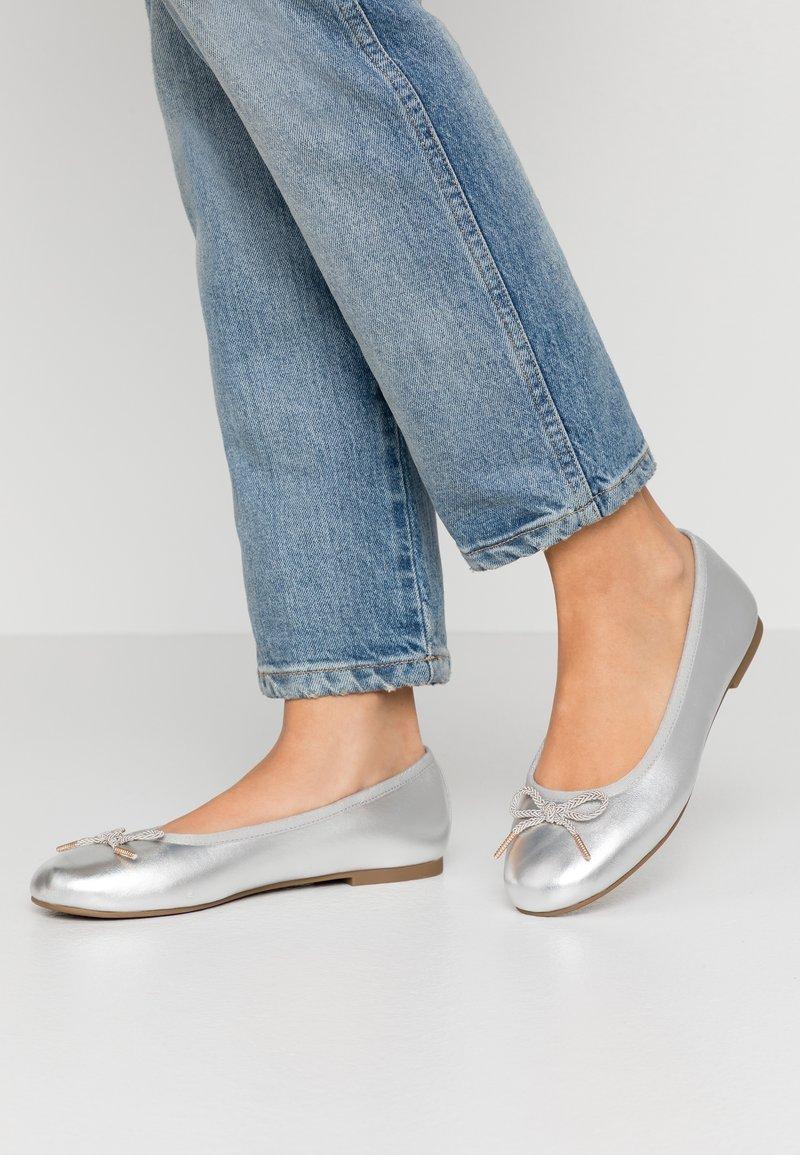 Tamaris - Ballet pumps - silver