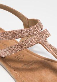 Tamaris - Sandály s odděleným palcem - copper - 2