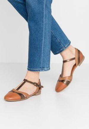 Ankle strap ballet pumps - brandy