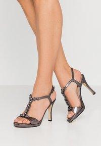Tamaris - Korolliset sandaalit - pewter - 0