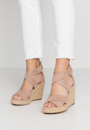 Højhælede sandaletter / Højhælede sandaler - old rose