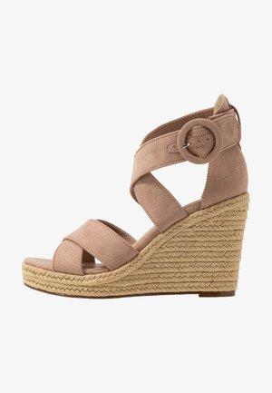 High heeled sandals - old rose